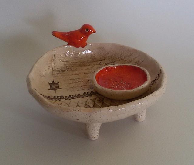 Papuošalinė su oranžiniu paukšteliu